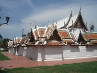 Wat Yai Suwannaram - Attractions