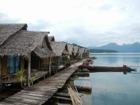 Krai Sorn Raft House - Accommodation